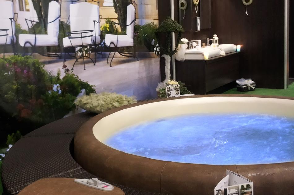 Noleggio bagno di lusso modulare ideale per il noleggio in for Noleggio di grandi masser